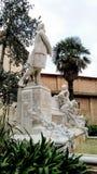 Detalhes de construções históricas da arquitetura Italy Máscara de pedra ilustração royalty free