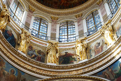 Detalhes de decoração na catedral do St Isaac, St Petersburg Rússia Imagens de Stock Royalty Free