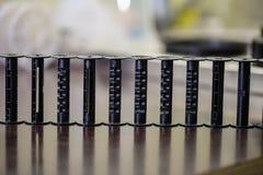 detalhes de equipamento de laboratório análogo do filme na tabela fotografia de stock royalty free