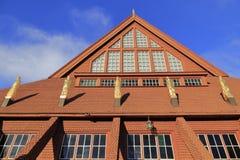 Detalhes de Kiruna Church no verão com céu azul, Suécia do norte fotos de stock royalty free
