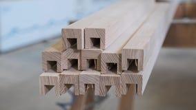 Detalhes de madeira da mobília, woodshop do woodworking da carpintaria do fundo vídeos de arquivo