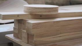 Detalhes de madeira da mobília, woodshop do woodworking da carpintaria do fundo video estoque