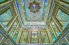 Detalhes de salão do espelho na casa de Qavam, Shiraz, Irã Imagens de Stock