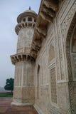 Detalhes de túmulo do ` s de Itmad-Ud-Daulah em Agra, Uttar Pradesh, Índia Fotos de Stock Royalty Free