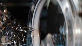 Detalhes de trituração do ferro do metal da máquina de trituração vídeos de arquivo