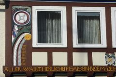 Detalhes de uma casa no centro de Hameln, em Alemanha fotos de stock royalty free