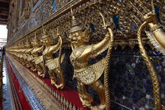 Detalhes de Wat Phra Kaew, templo de Emerald Buddha, Banguecoque Imagem de Stock