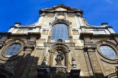Detalhes do close-up na fachada da igreja de nossa senhora do auxílio Notre-Dame de Bon Secours, Bruxelas, Bélgica Fotografia de Stock Royalty Free