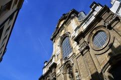 Detalhes do close-up na fachada da igreja de nossa senhora do auxílio Notre-Dame de Bon Secours, Bruxelas, Bélgica Imagem de Stock Royalty Free