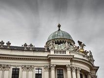Detalhes do palácio de Hofburg no centro da cidade de Viena fotos de stock royalty free