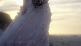 Detalhes do vestido de casamento - movimento lento filme