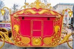 Detalhes, estrutura e ornamento do transporte forjado do ferro Ornamento decorativo floral, feito do metal Teste padrão metálico  Foto de Stock Royalty Free