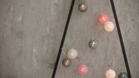 Detalhes interiores escandinavos do Natal à moda Casa do conforto com a decoração nórdica do ano novo Minimalistic amigável de Ec video estoque