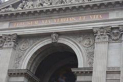 Detalhes na basílica do ` s de St Stephen em Budapest, Hungria imagens de stock