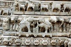 Detalhes na cinzeladura no templo de Jagdish, udaipur Imagem de Stock