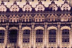 Detalhes ocidentais da construção da rua no distrito financeiro, New York City, NY Fotografia de Stock