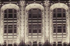 Detalhes ocidentais da construção da rua no distrito financeiro, New York City, NY Foto de Stock Royalty Free