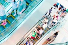 detalicznych centrum handlowe zakupów ludzie Zdjęcie Royalty Free