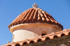 Detalj av arkitekturkyrkan i den Vathia staden, Mani Greece royaltyfria foton
