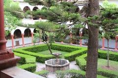 Detalj av borggården av San Francisco Church i Cuzco, Peru Arkivbild