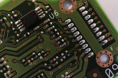 Detalj av brädet för elektrisk strömkrets av en datorhårddisk Arkivbild
