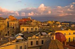 Detalj av Cagliari den i stadens centrum panoramautsikten på solnedgången i Sardinia Arkivbild