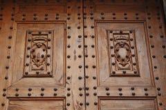 Detalj av dörren i basilikan av San Lorenzo, Florence royaltyfri fotografi
