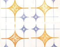 Detalj av de traditionella tegelplattorna från fasad av det gamla huset dekorativa tegelplattor Spanien traditionella tegelplatto Arkivbild