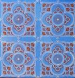 Detalj av de traditionella tegelplattorna från fasad av det gamla huset dekorativa tegelplattor Valencian traditionella tegelplat royaltyfri bild