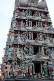 Detalj av den äldsta Sri Mariamman hinduiska templet i kineskvarteret Singapore royaltyfri fotografi