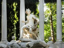 Detalj av den Apollo springbrunnen i trädgården av prinsen av Aranjuez fotografering för bildbyråer