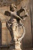 Detalj av den barocka kolonnen i Olomouc Klassiskt barockt konstverk Detalj av skulpturer royaltyfri bild