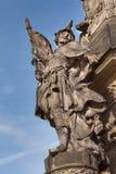 Detalj av den barocka kolonnen i Olomouc Klassiskt barockt konstverk Detalj av skulpturer royaltyfria bilder