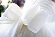 Detalj av den brud- klänningen Royaltyfria Foton
