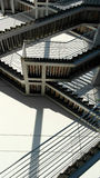 Detalj av den geometriska trappan av en byggnad som lokaliseras på Natien Arkivfoto
