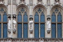 Detalj av den gotiska arkitekturen av stadshuset av Bryssel, Fotografering för Bildbyråer