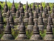 Detalj av den Koe-thaung templet i Mrauk U, Myanmar Fotografering för Bildbyråer