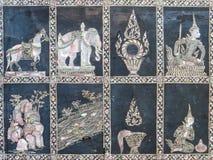 Detalj av den nacreous mosaiken i den forntida Wat Pho Temple Arkivbild