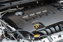 Detalj av den nya bilmotorn arkivfoton