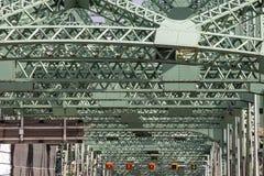 Detalj av den Pont Jacques Cartier bron som tas i Longueuil i riktning av Montreal, i Quebec, Kanada, p? eftermiddagen arkivbilder