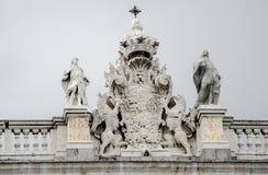 Detalj av den spanska kungliga byggnaden Royaltyfria Bilder