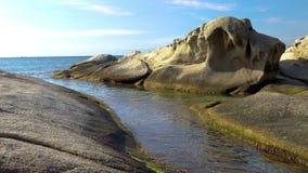 Detalj av den spanska kusten på sommar Catalonia, Costa Brava, 4k arkivfilmer