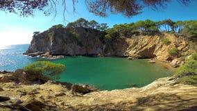 Detalj av den spanska kusten på sommar Catalonia, Costa Brava, 4k stock video