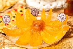 Detalj av den söta tabellen på bröllop- eller händelsepartiet Royaltyfria Foton