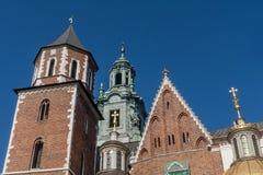 Detalj av den Wawel slotten i Krakow, Polen, på en härlig solig dag royaltyfria foton