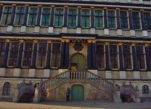 Detalj av det forntida stadshuset av Ghent Arkivfoto