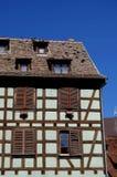 Detalj av det korsvirkes- huset Arkivfoto