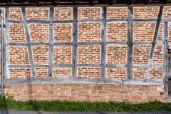 Detalj av det korsvirkes- huset Arkivfoton