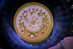 Detalj av det Michelin däcket för tunga beväpnade lastbilar arkivbild
