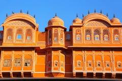 Detalj av det traditionella huset i Jaipur, Rajasthan, Indien arkivfoton